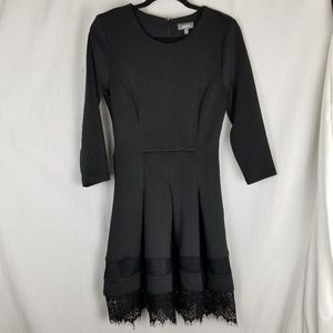 Neiman Marcus dress size 8 black lace hem stretchy